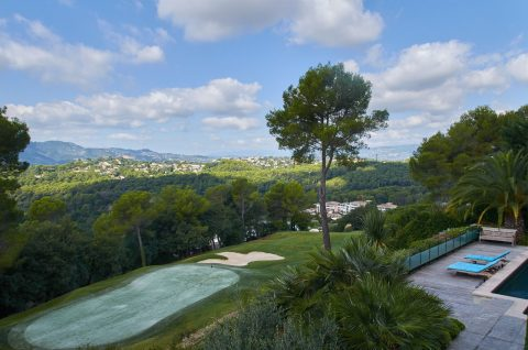 FIND YOUR LUXURY HOME ON THE RANGE IN SUNNY PROVENCE