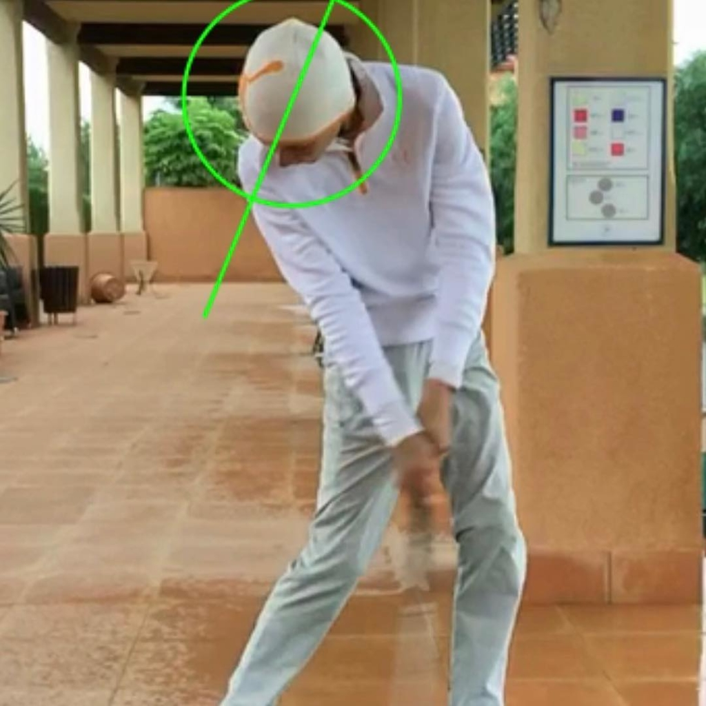 🇬🇧Your head weighs about 5kg and it's stability can greatly influence your balance, rotations and swing sequence. Your head should rotate on the downswing, with your body, with your nose pointing in front of the ball at impact. A pool noodle is a great tool to get the feel of head stability in your swing.
