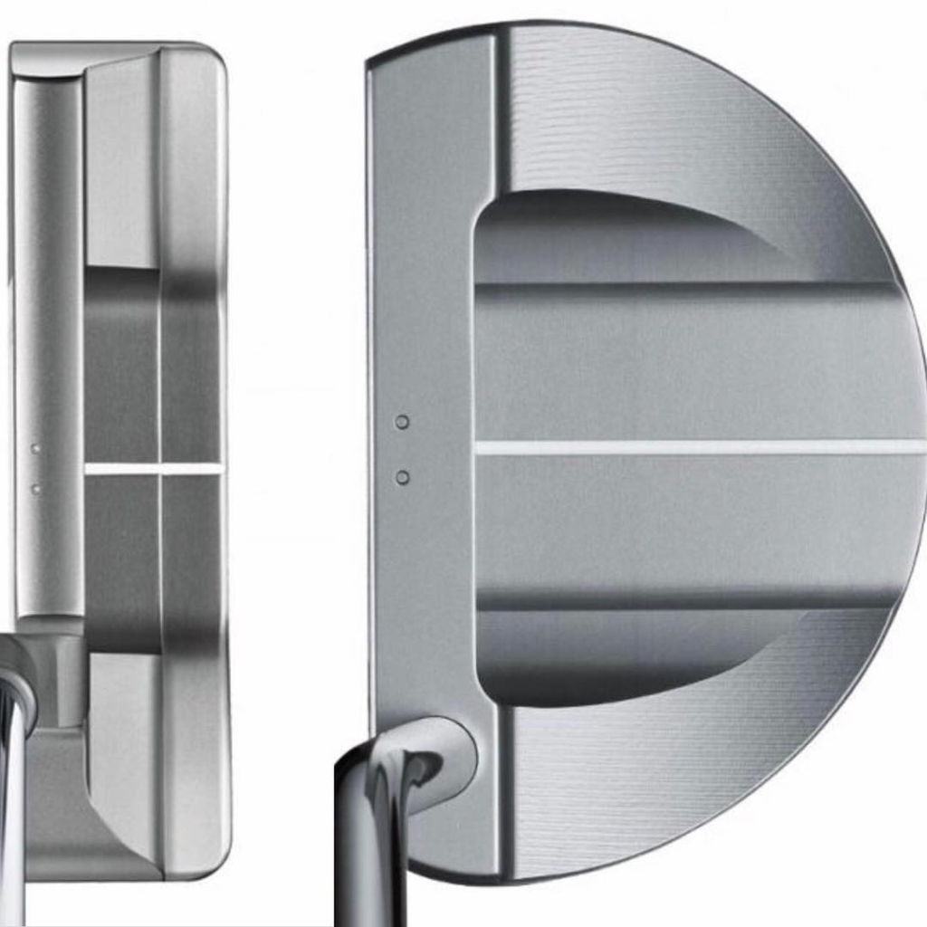 🇬🇧Blade or Mallet?. Which one suits me more?. Some things to think about. Firstly, if you use the leading edge to align the putter possibly the blade shape would be better, those who use the lines behind the face would be better with a mallet. With the CoG of the head further behind the face, those looking for more rotation might want to look at a mallet, for those looking for less a blade. Just a couple of many things to consider. 🇪🇸Blade o Mallet?. Cual me viene mejor?. En primer lugar los que apuntan la cara con el filo de la cara deberían de pensar más del blade, los que usan las líneas atrás de la cara un mallet.  Con el CoG de la cabeza más detrás de la cara, los buscando más rotación del putter en el swing deberían de probar el mallet, buscando menos el blade. Un par de las muchas influencias que deberíamos de considerar cuando elegimos la forma de la cabeza del putter
