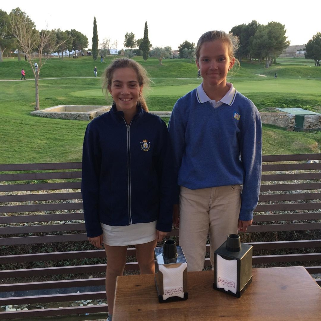 🇬🇧Successful weekend at the Regional National Ranking Tournament this weekend for the MCGP students. Elena Juanas won U12's Girls Category with Coque Martin 3rd in the Boys Category. @paulaa.martinn winner of the U14's Girls with @martagolf.4 6th. @alvaropr_13 3rd in the Boys Category and @_nikooo.08 5th. Good job guys. 🇪🇸Fin de semana exitoso al Puntuable Zonal. Elena Juanas ganadora de Alevin femenino con Coque tercero en la categoría masculina. @paulaa.martinn ganadora de la categoría infantil femenina con @martagolf.4 en 6a posición @alvaropr_13 3a posición en la categoría infantil masculina con @_nikooo.08 5a. Buen trabajo chicos