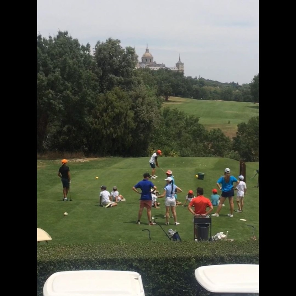🇪🇸Primer semana fantástica del campamento @forenex 'Competition Golf' en el entorno precioso de @rcglaherreria. Mucho golf con mucho nivel, mucha amistad con un buen ambiente en la cancha. 🇬🇧A fantastic first week of our summer camp 'Competition Golf' with @forenex in the amazing @rcglaherreria. Lots of good golf, lots of friendship with a great atmosphere in the practice ground