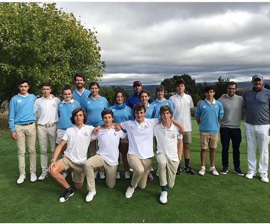 🇬🇧Always a pleasure to spend time with my friends from the @fgallegagolf in the north of Spain. Especially nice to work with @sergio_garciagolf @miguelfical and all the coaching team. A very productive day working on short game and putting with the Elite Junior  Squad. 🇪🇸Siempre un placer a pasar tiempo con mis amigos de la @fgallegagolf. Encantado a trabajar con @sergio_garciagolf, @miguelfical y todo el equipo de entrenadores. Un día entrenando en los aspectos del juego corto y el putt