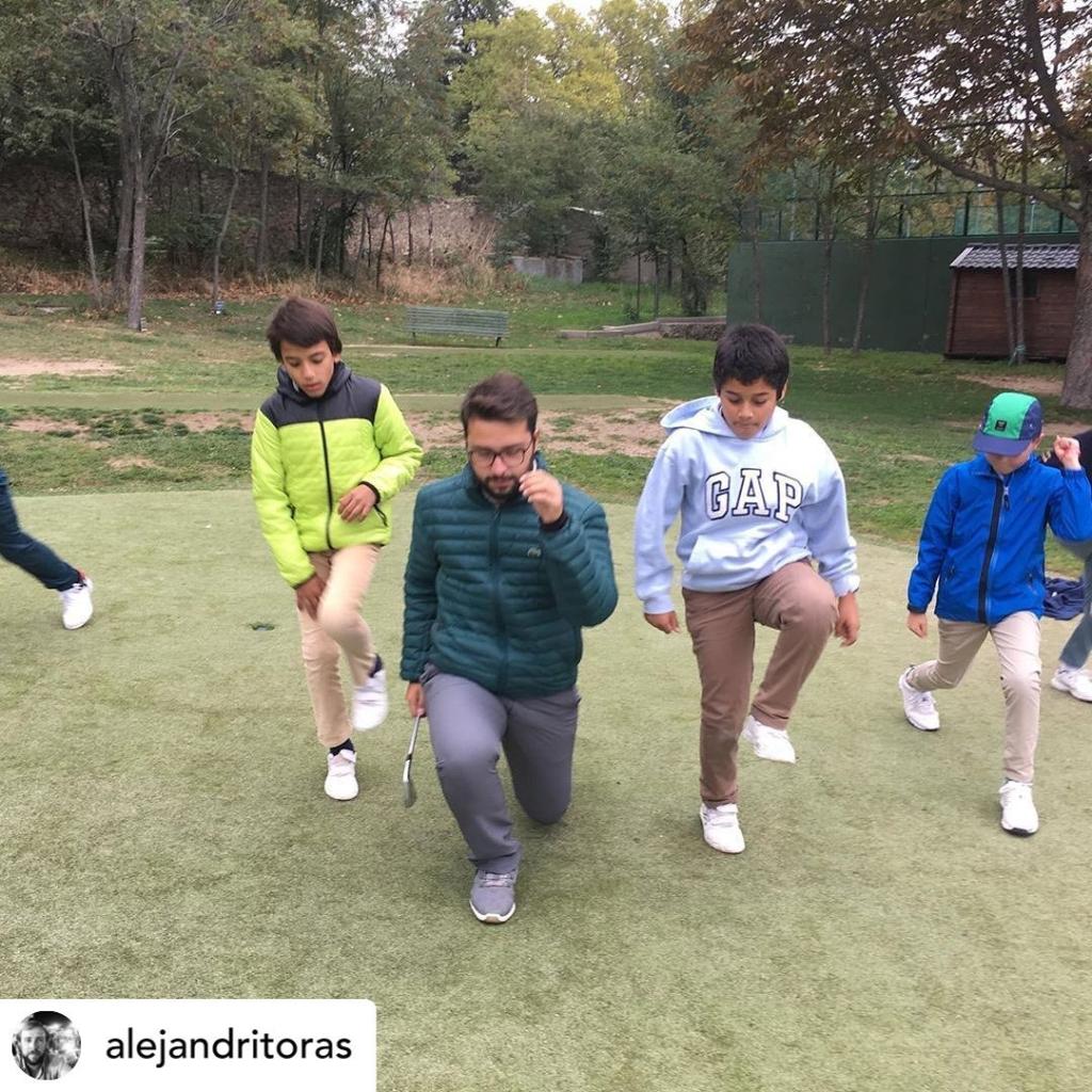 🇪🇸Mini Junior Performance a tope por la parte de @alejandritoras y @juanlopezdelhierro13. ¡¡Grandes!! 👏🏻👏🏻 🇬🇧Mini Junior Performance Group in full swing with @alejandritoras and @juanlopezdelhierro13. Top guys