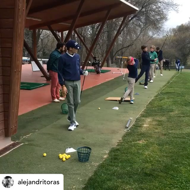 🇪🇸Domingo no es un día flojo en MCGP. La academia sigue fuerte en las manos de @alejandritoras y @juanlopezdelhierro13. 🇬🇧Sunday isn't a lazy day at MCGP. The academy keeps going strong in the hands of @alejandritoras and @juanlopezdelhierro13