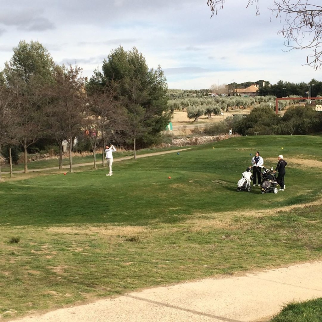 🇪🇸Hoy hemos celebrado la primera ronda del TPC Layos en @golflayos, primer torneo del MCGP 'Race to Toledo' un serie de torneos agrupando unos de los mejores juniors en España, asegurando máximo nivel y competencia. Los líderes con @alvaropr_13 y @_brunomarqueess. Segunda y última ronda mañana. 🇬🇧Today we played the first round of the TPC Layos en @golflayos, the first tournament of the MCGP 'Race to Toledo' a series of junior tournaments bringing together some of Spain's best junior players, assuring the best level and competition. The leaders are @alvaropr_13 and @_brunomarqueess. The second and final round tomorrow